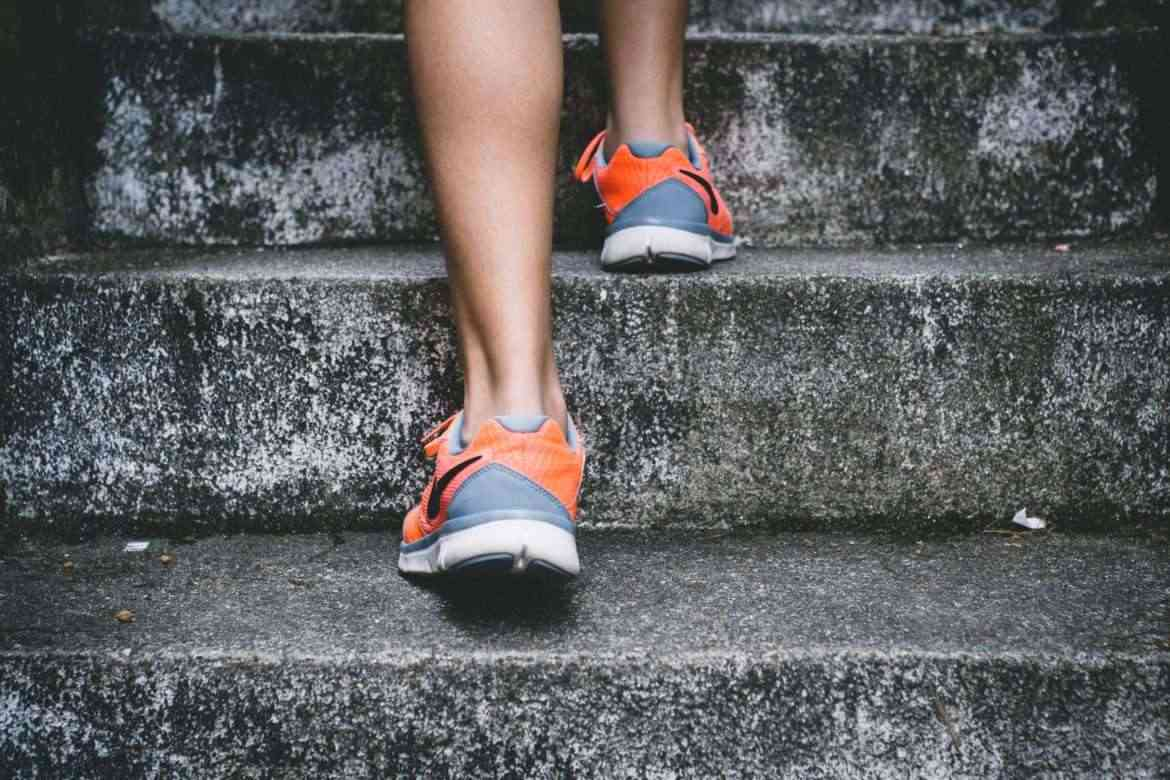workout-by-walking-up-stairs-teachworkoutlove.com