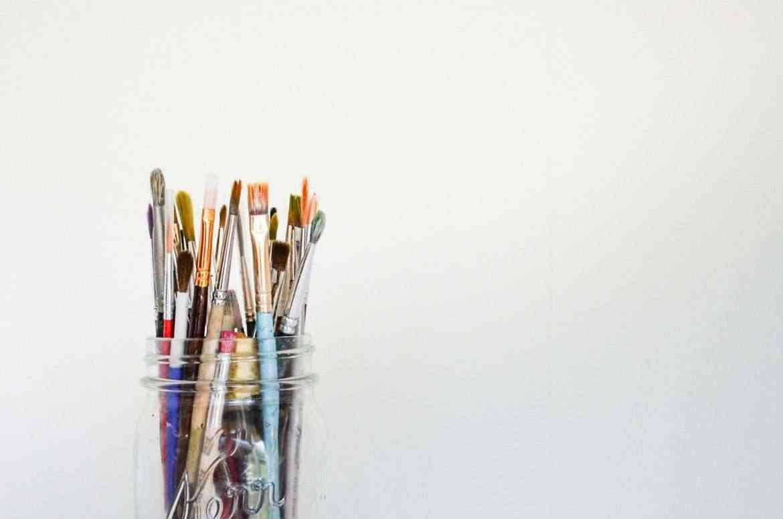 encouraging-artistic-behaviors-at-home