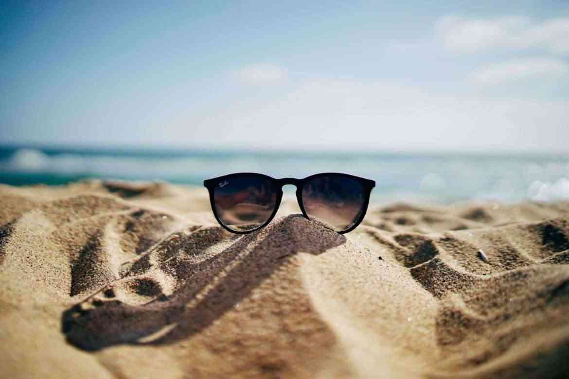 sunglasses-at-the-beach-summer-activities-teachworkoutlove.com