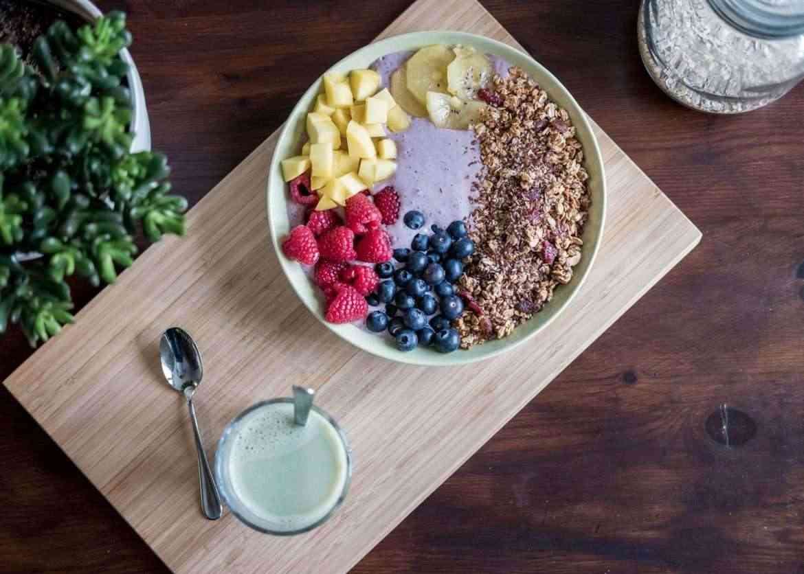 changing-your-diet-adding-fruit-and-oats-teachworkoutlove.com