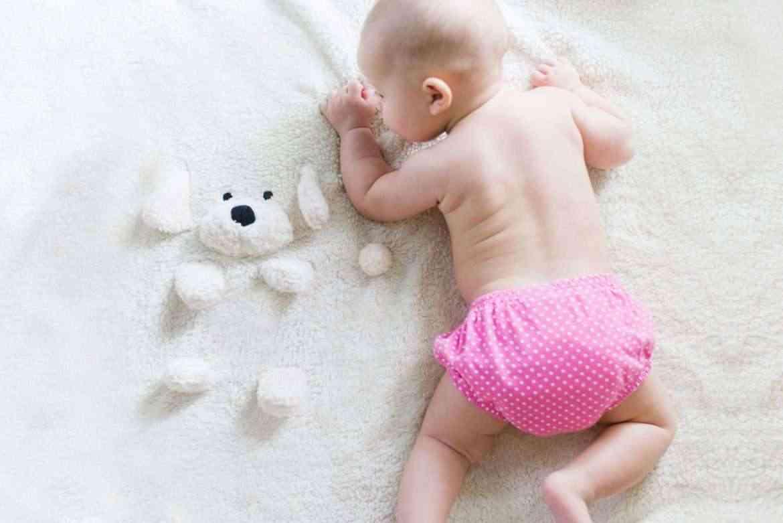 baby-in-cloth-diapers-teachworkoutlove.com