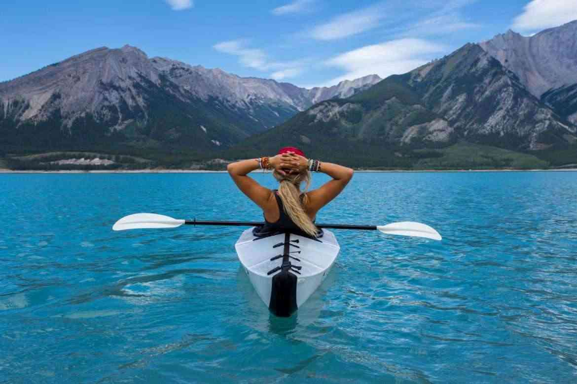 maximize-your-fitness-workouts-kayaking-in-lake