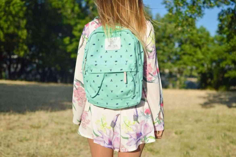 back-to-school-tips-girl-in-backpack-teachworkoutlove.com