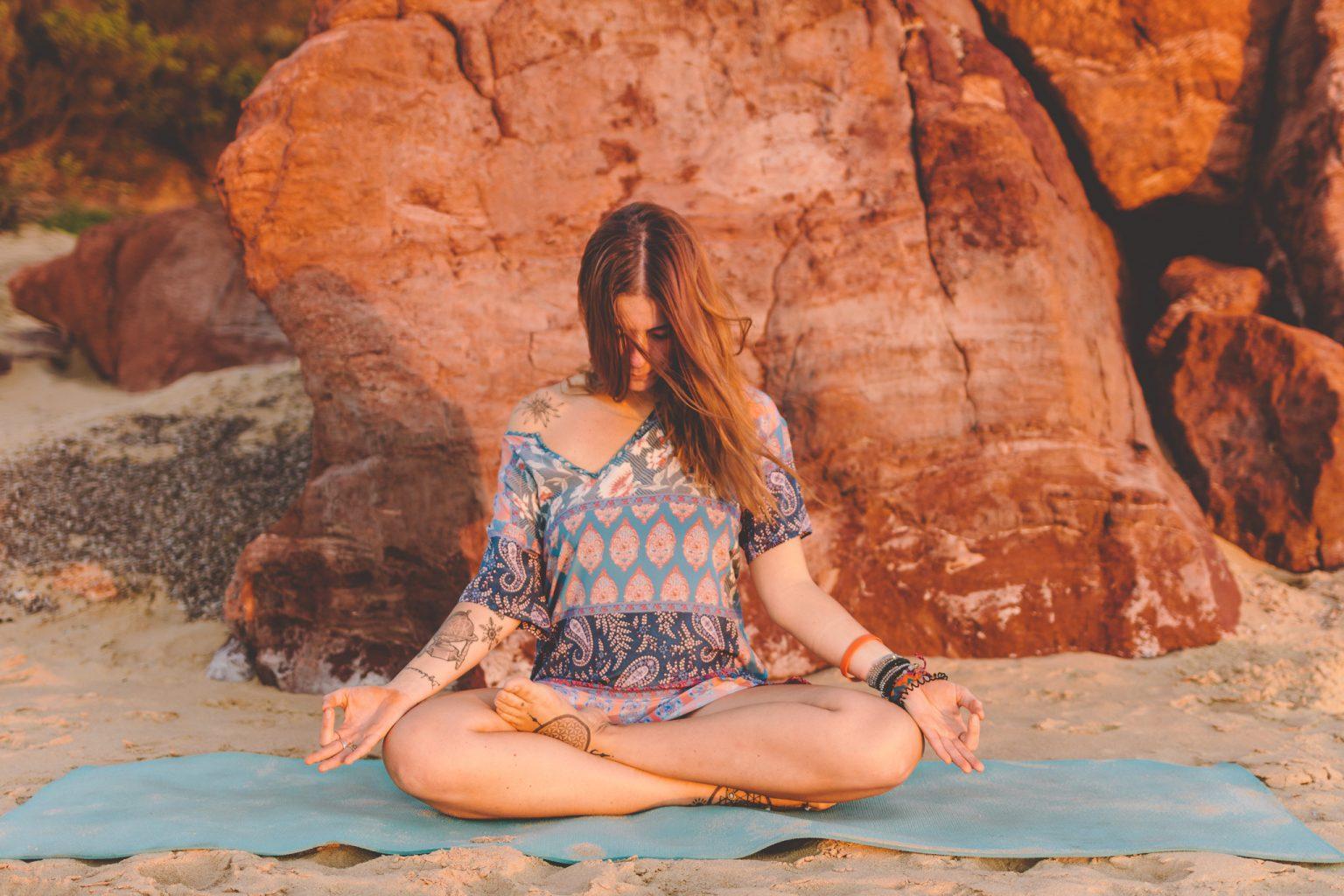 siddhasana-yoga-pose