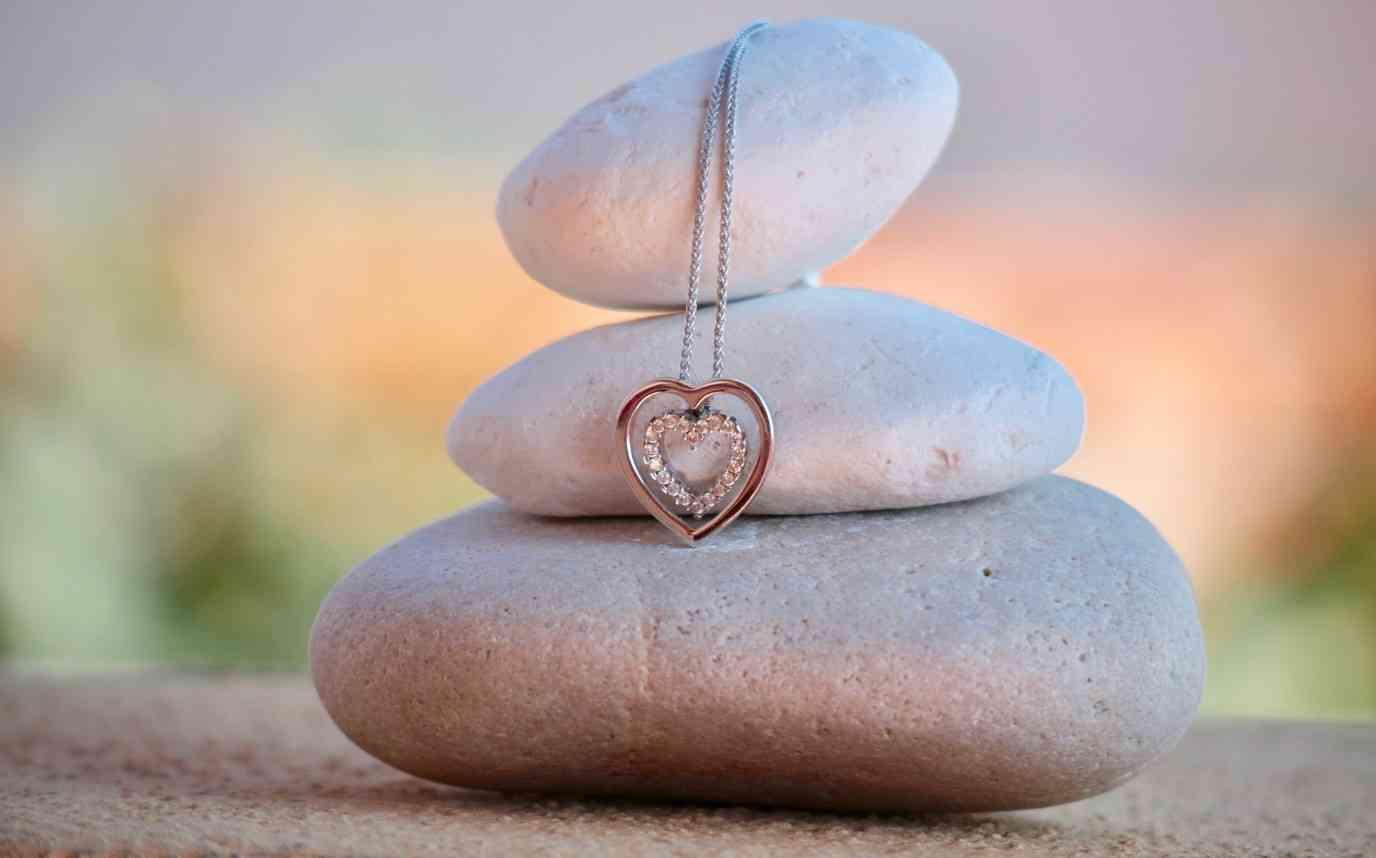 valentine's-day-necklace