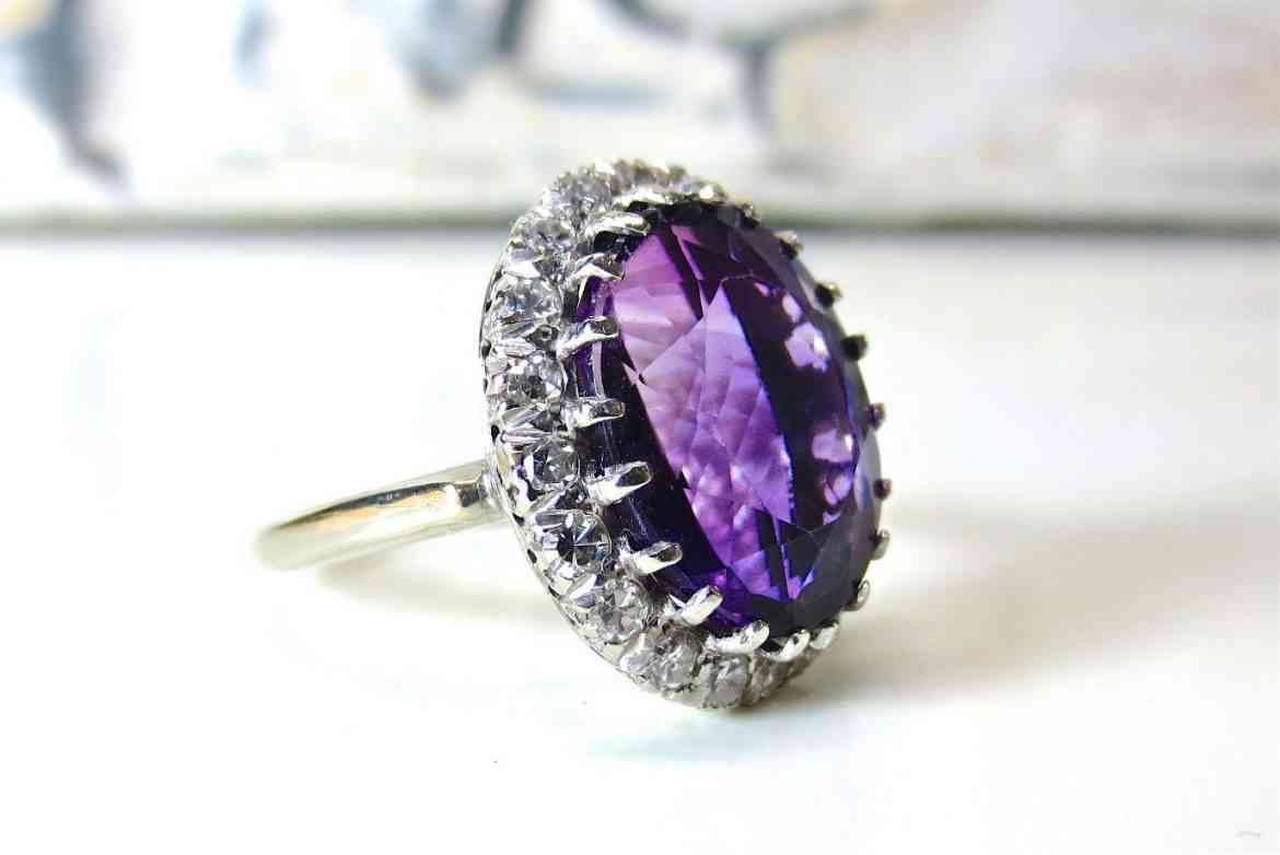 purple-diamond-gift-valentines-day