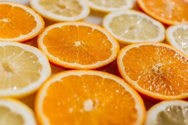 eating-citrus