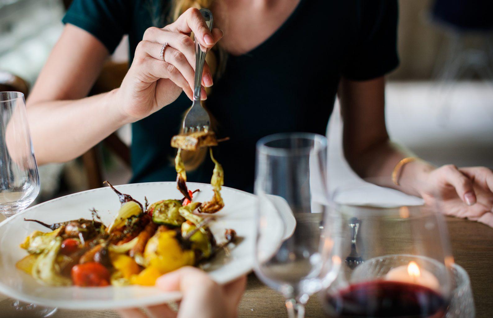 woman-eating-brain-foods