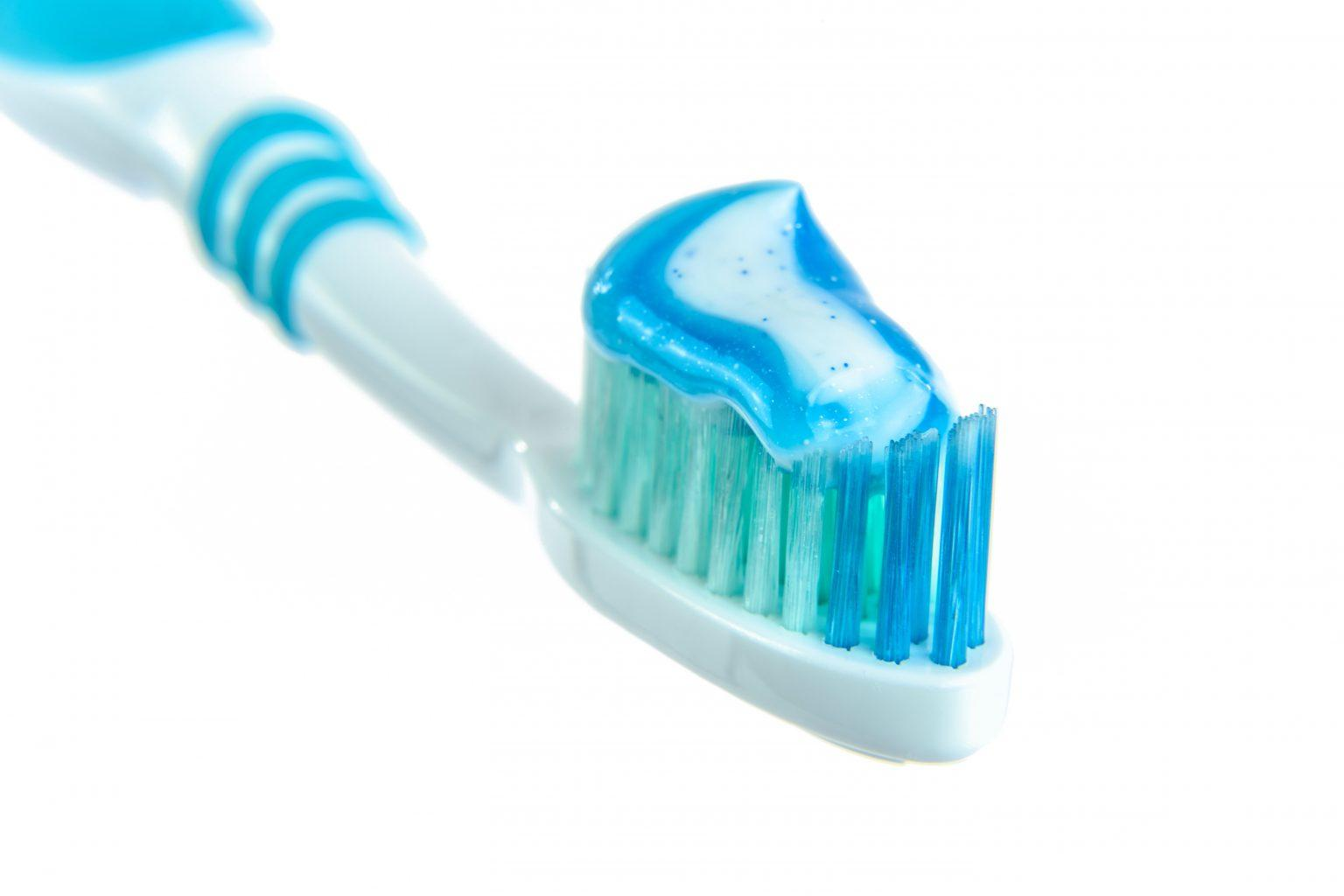 toothbrush-cleaning