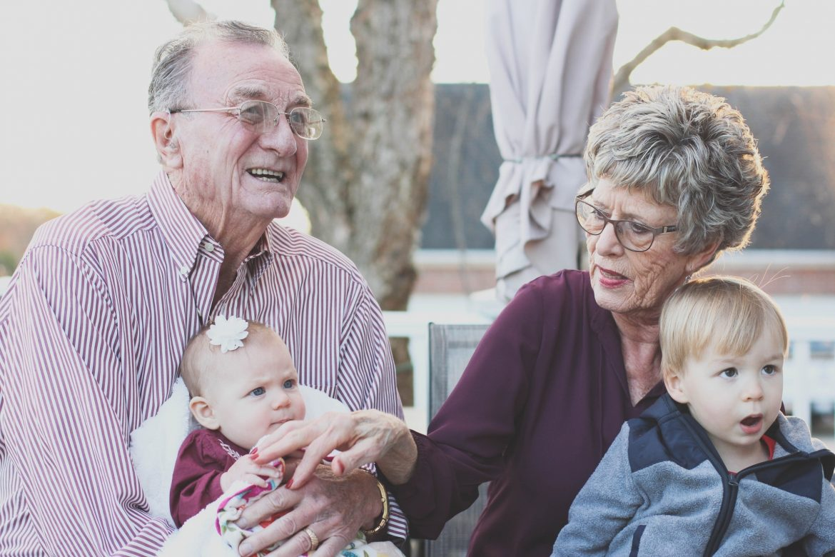 grandparents-live-with-kids-multigenerational-families