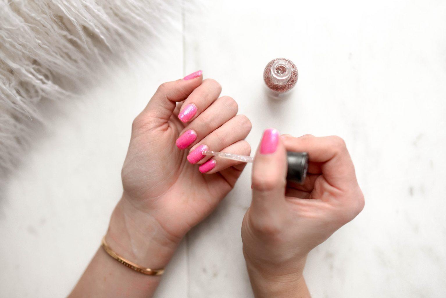nail-polish-for-clothing-hacks