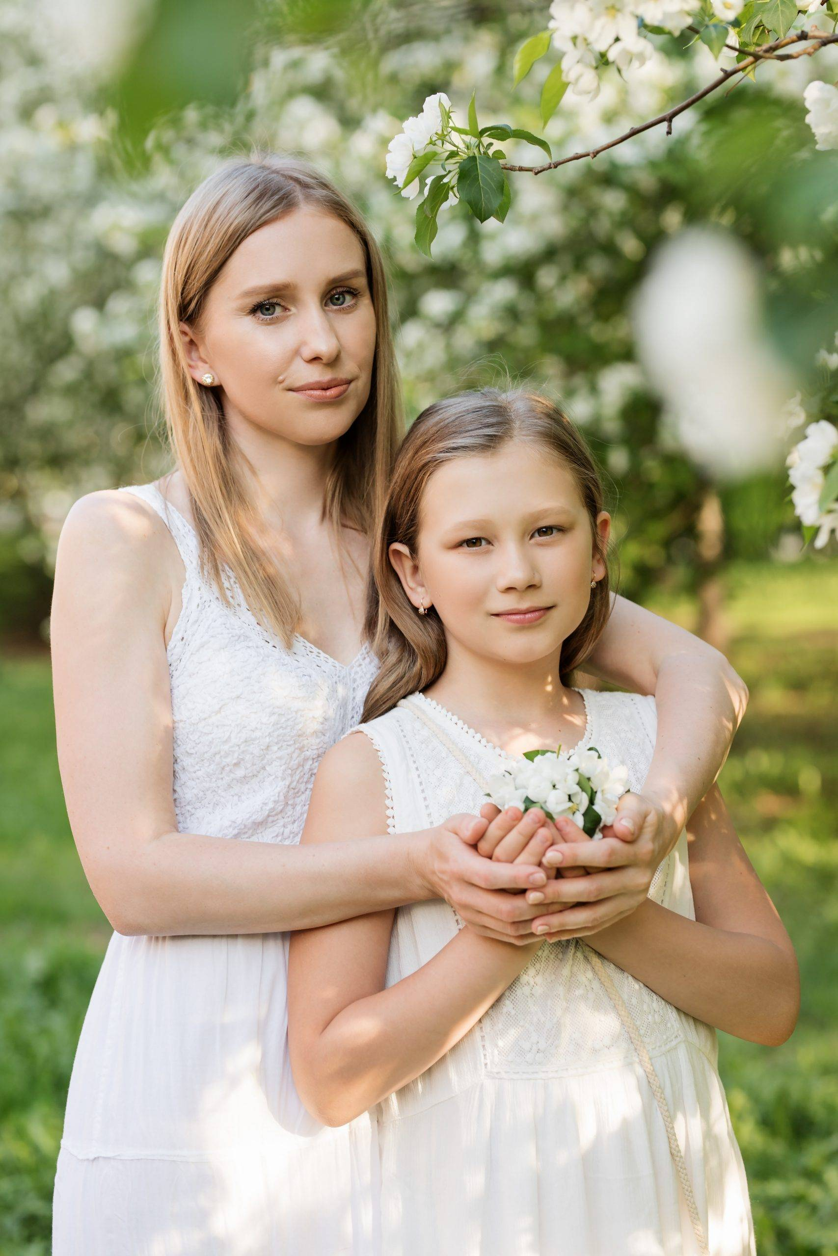 girl and her mom at her communion