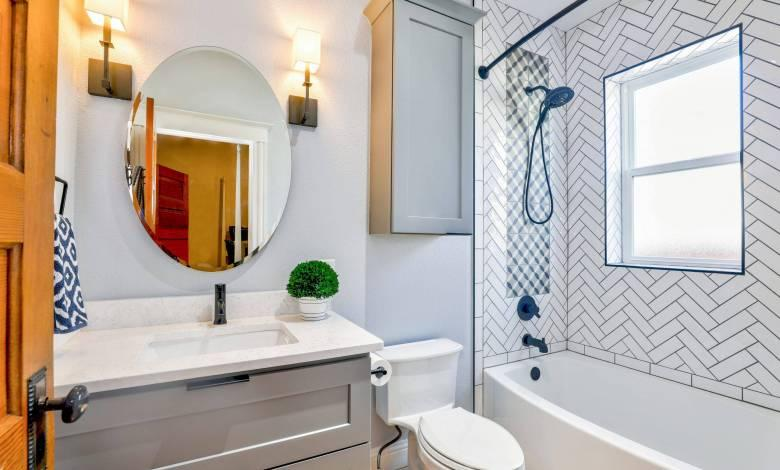 How To Seriously Deep Clean Your Bathroom