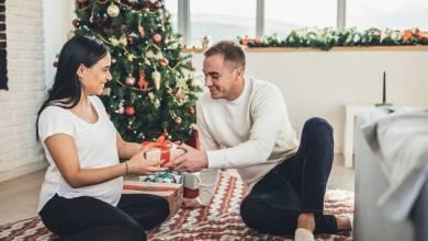 10 Awesome Must Give Gift Ideas For Your Husband