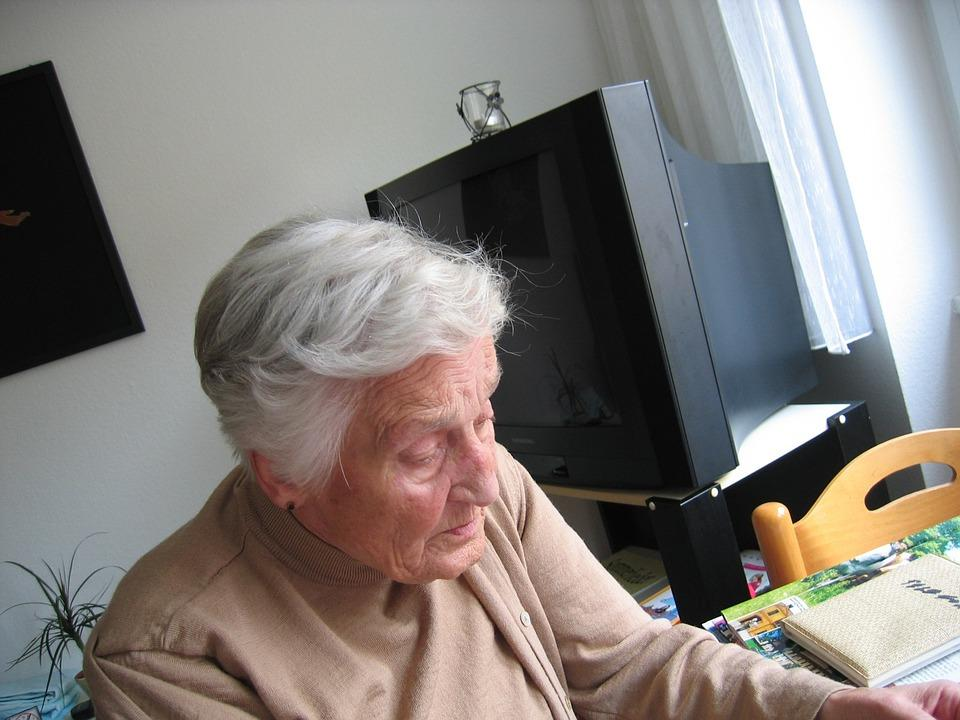 4 Look-For's When Choosing Retirement Home for an Elderly Relative