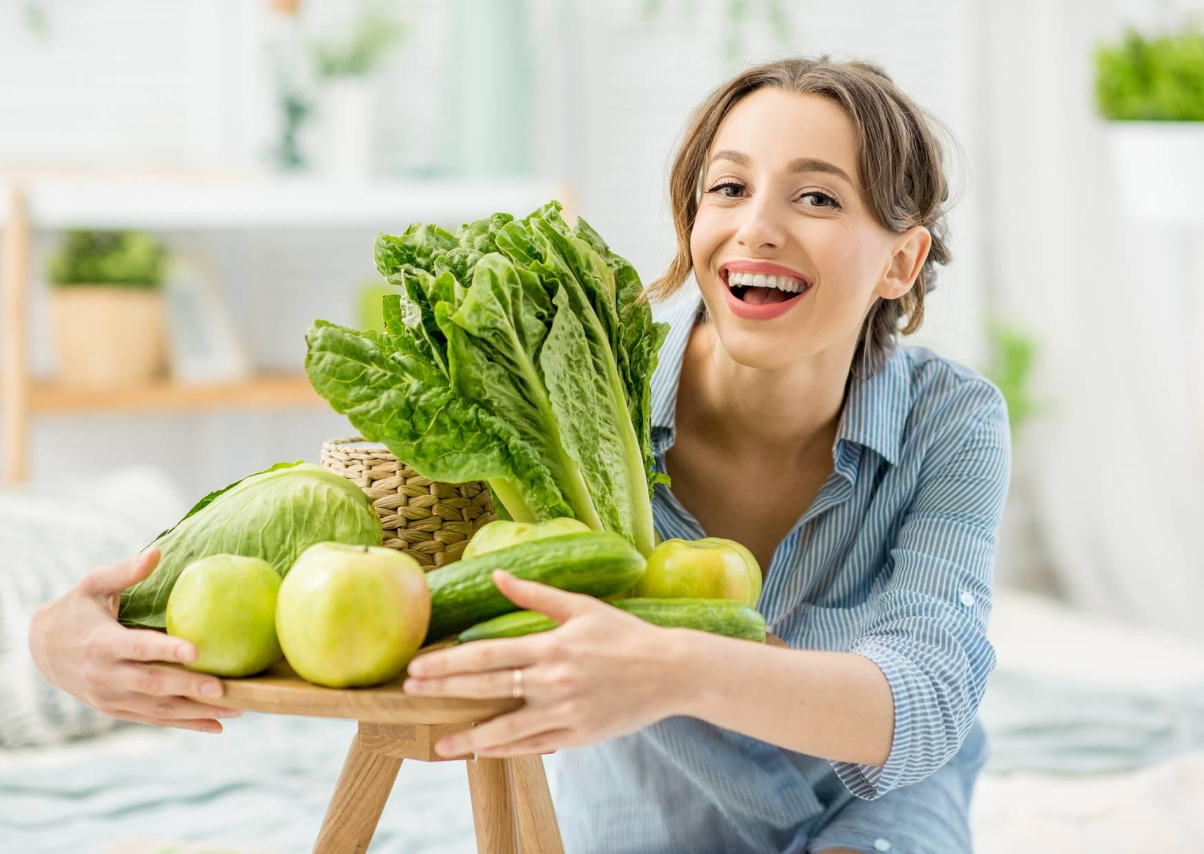 detoxing your life with healthy fruit