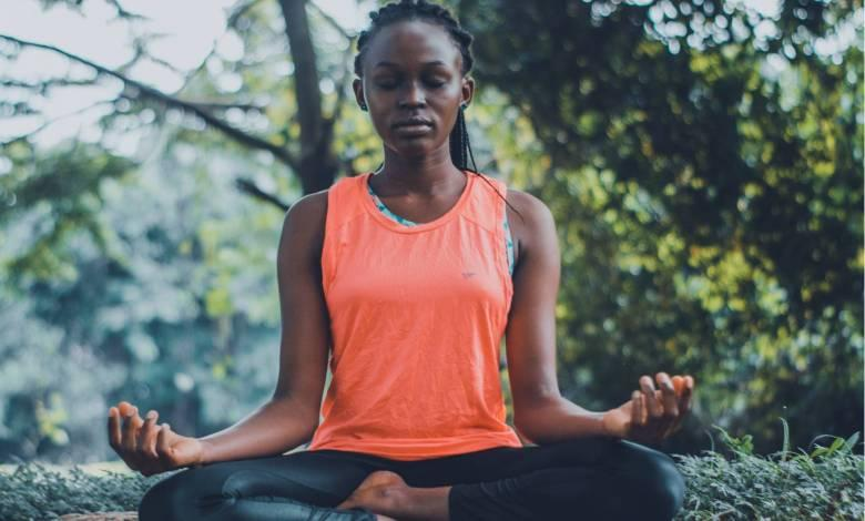 4 Easy Ways To Balance Your Chakras Before Your Work Day